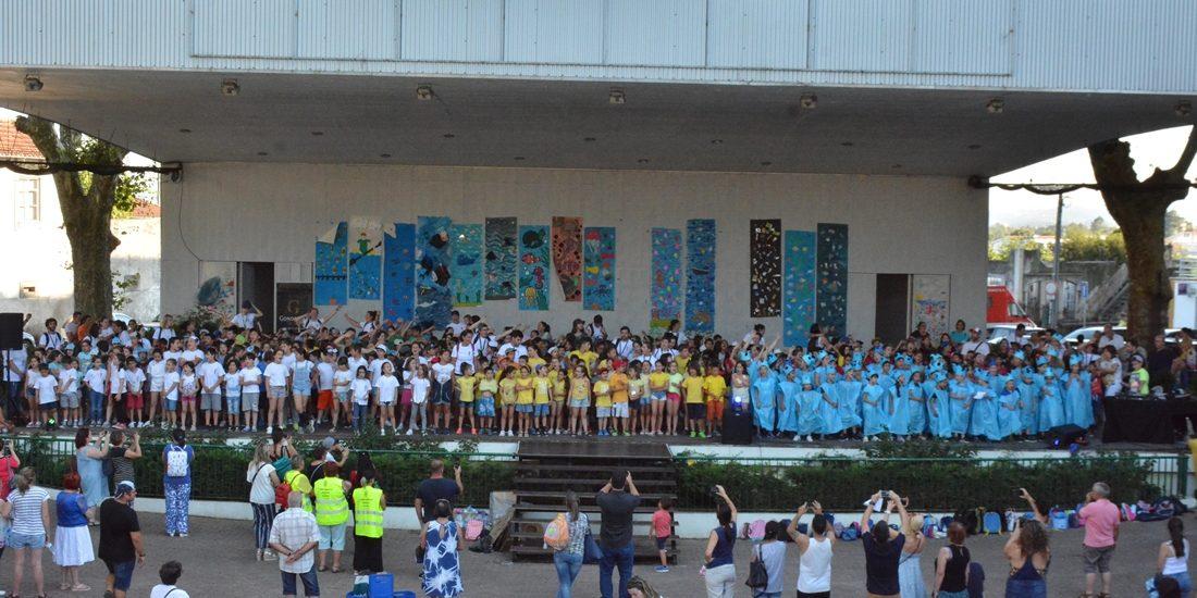 """""""Escola em Férias + Criativa"""" celebrou os oceanos"""