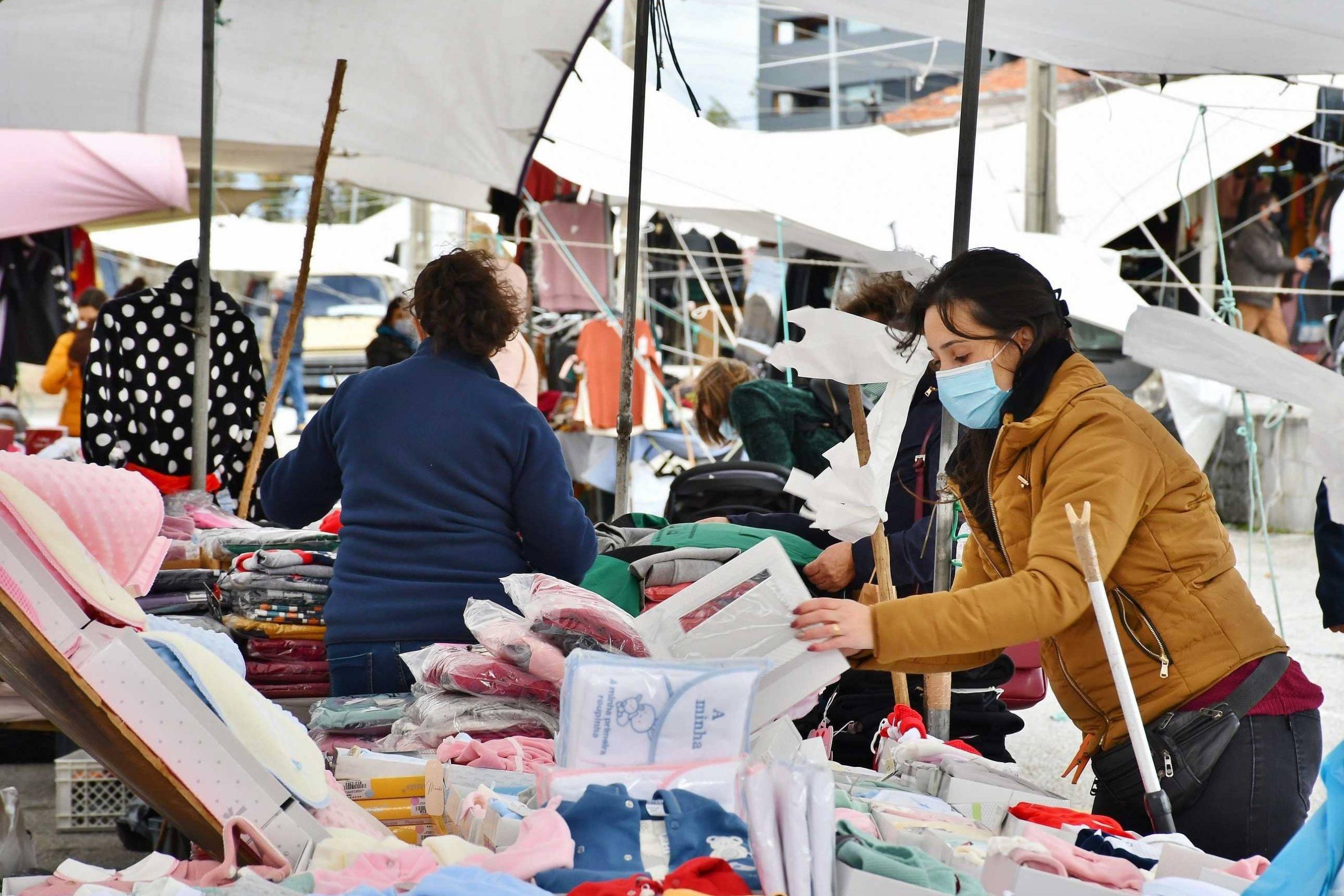 Feiras e Mercados municipais reabertos para a venda de produtos não alimentares