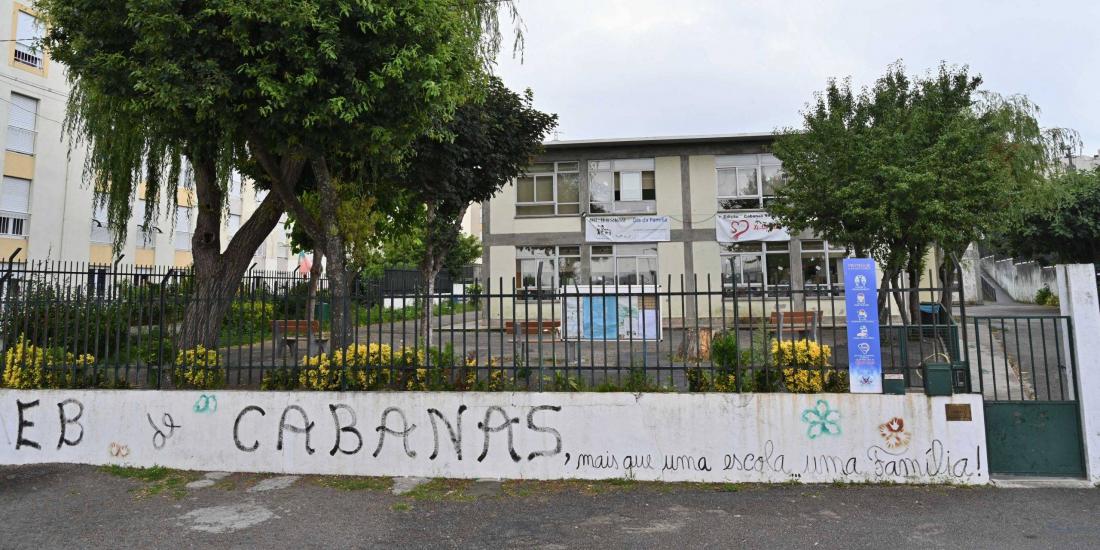 Requalificação da Escola Básica de Cabanas apresentada à comunidade escolar